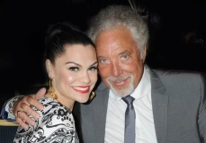 jessie-j-and-tom-jones-grammys-2015