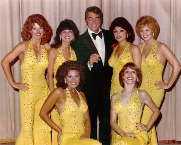 Dean-Martin-and-The-Golddiggers-with-the-Alberici-Sisters-Linda-Eichberg-&-Maria-Lauren