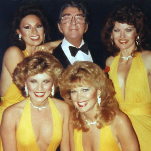 Dean-Martin-The-Golddiggers-Deans-birthdya-with-Maria-Lauren-Linda-Eichberg-Patti-Gribow-Robyn-Whatley